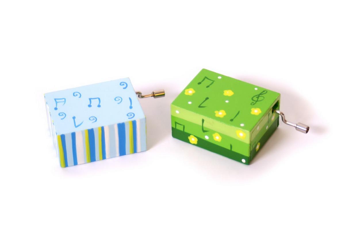 Hrací - hudební skříňka barevná