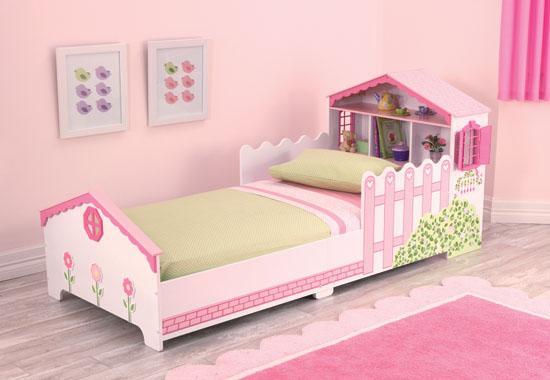 Dětská postel dřevěná s úložným prostorem - domečkem po panenky