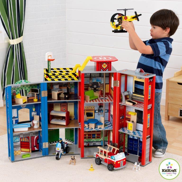 Dětský dřevěný set na hraní pro malé hrdiny
