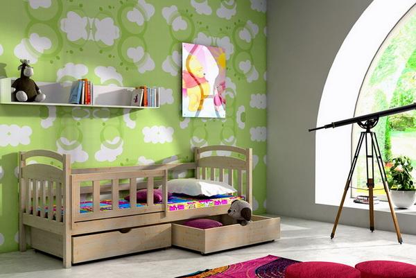 Dětská dřevěná postel DP001